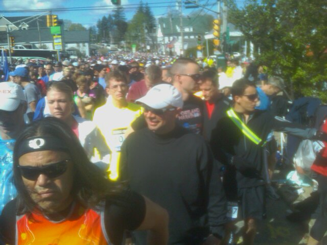 Runners behind me lined up for the start