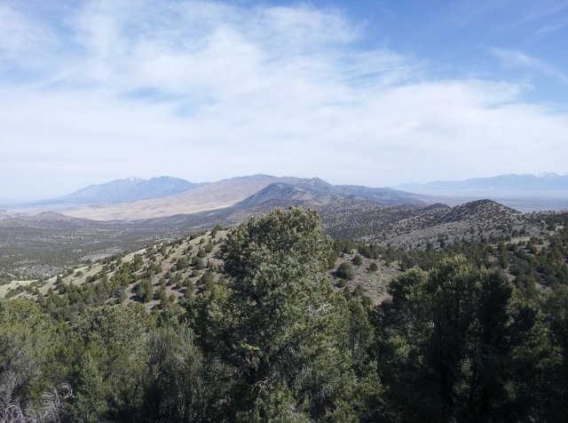 Looking north while climbing up the slope of Red Pine Mountain