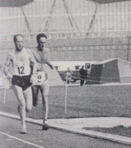Don lapping a runner during his 100-mile run.