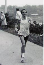 Nick running his marathon lifetime best in 1975 at Harrisburg